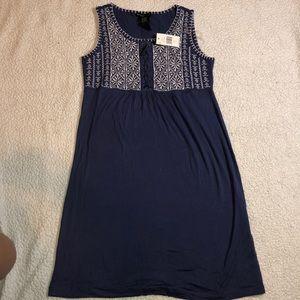 knee length flowy dress ☀️